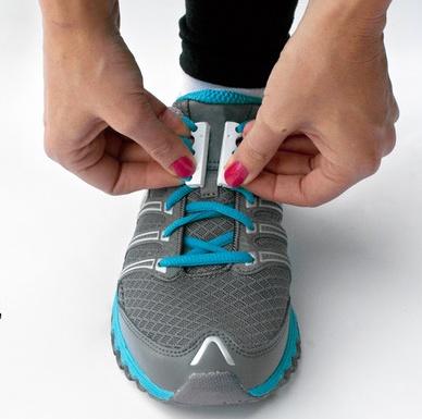 Zubits (ズービッツ) は、一瞬で靴を履いたり脱いだりできるマグネットです。スニーカーなど、普通の紐靴に対して使えるところが特徴です。
