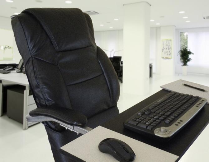 座りっぱなしはつらい そこで立ちながらもたれて仕事できる椅子 Leanchair リーンチェア