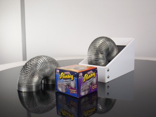 Never Ending Slinky Machine1