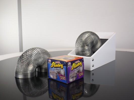 Never Ending Slinky Machine1