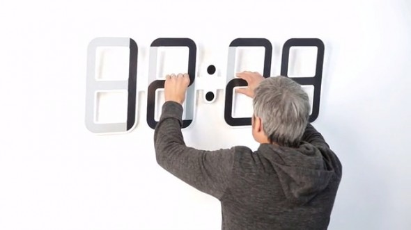 Clock ONE 7