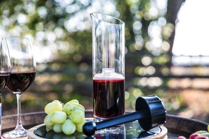 Wine Squirre1.jpg