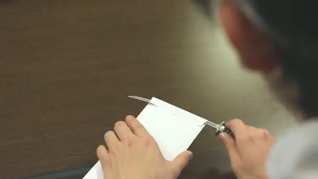 KNIFE03.jpg