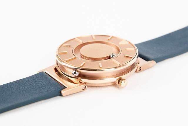 touchable watch 4.jpg