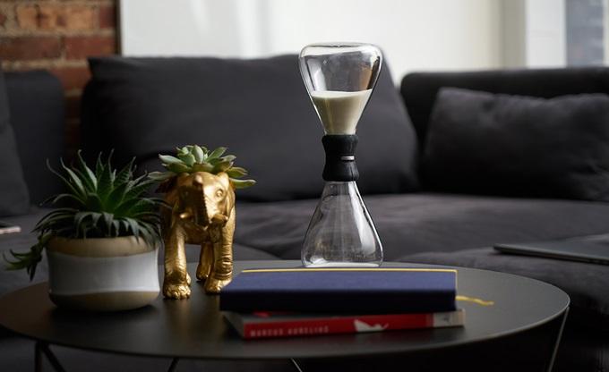 hourglass 1.jpg