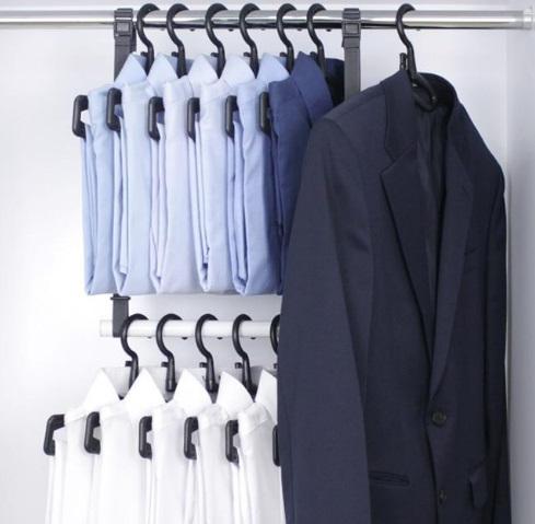 hanger 1.jpg
