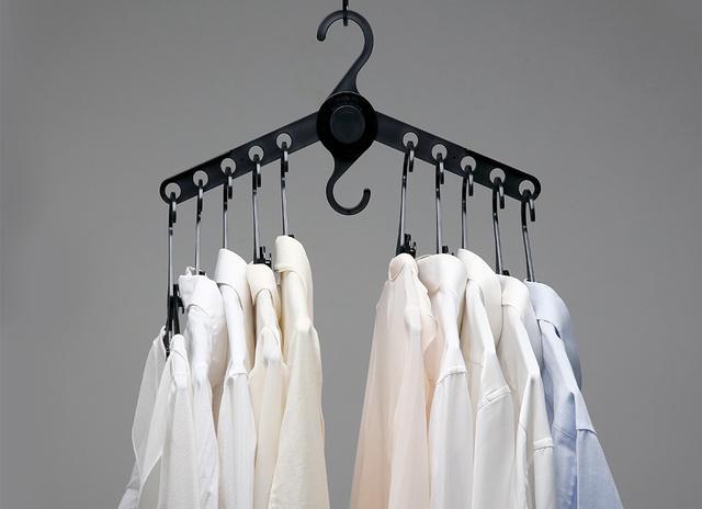 hanger 4.jpg
